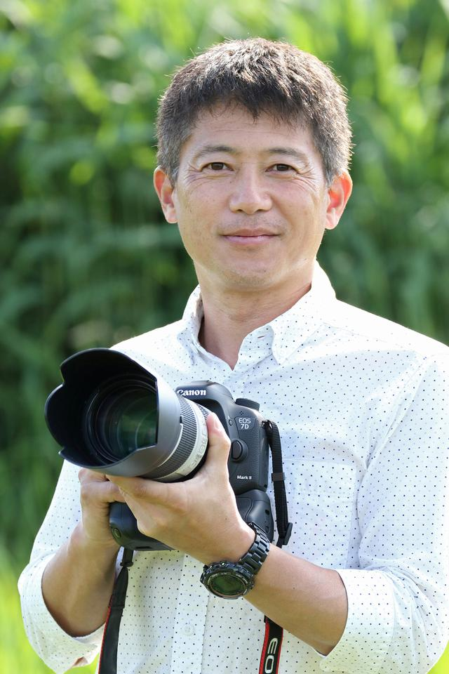 画像: 1970年 広島県生まれ 日本大学芸術学部写真学科卒業 出版や広告、TV、講演など幅広い分野で活動、独自の視点から鉄道写真を多彩に表現している。