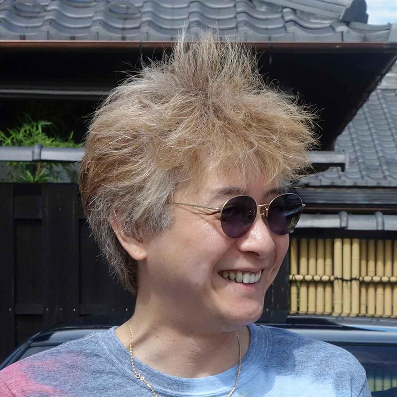 画像: 公益社団法人 日本写真家協会(JPS)会員。横浜市在住。写真教室や国内外の撮影ツアーの講師を務める。ライフワークとして、横浜の夕景夜景を写した写真展「横浜トワイライト」を2013年から開催している他、年間を通して様々な場所からのダイヤモンド富士を撮り続けている。表紙の写真は、月が富士山の山頂にかかるパール富士。