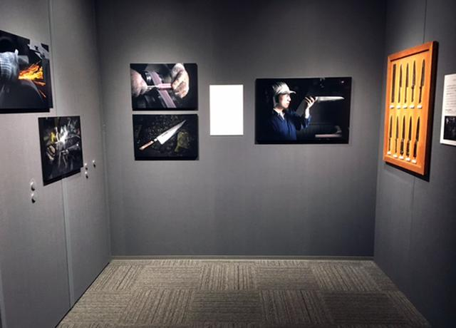 画像: 曽根原 昇写真展『関東牛刀ここにあり』。日本で唯一の関東牛刀作りの職人にスポットを当てた個展です。