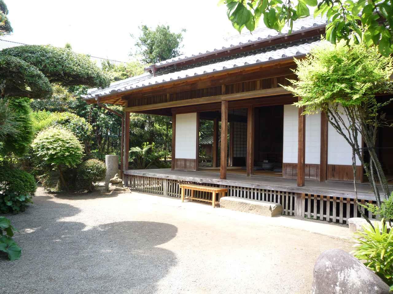 画像: ▲公開武家屋敷となっている税所邸の庭。 www.izumi-navi.jp