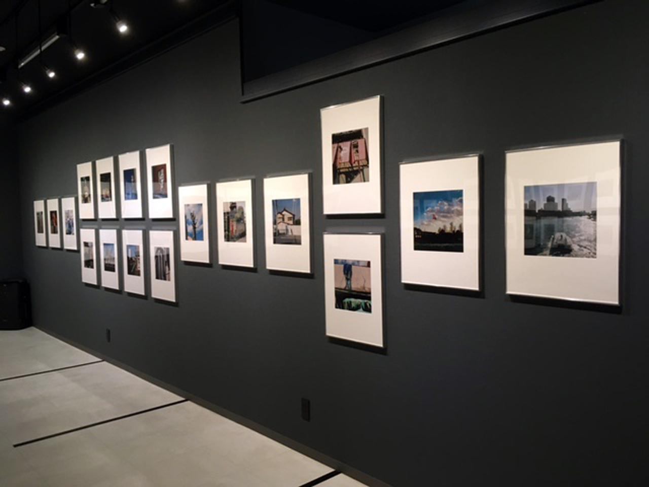 """画像1: 赤城耕一写真展『録々』。録々は""""ろくろく""""と読みます。6×6サイズのカメラで撮りためた作品群の展示です。"""