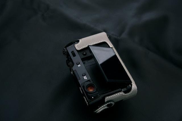 画像5: INDUSTRIAは富士フイルム「X100V」専用の本革製ケースの新色(ブラック)を販売開始!