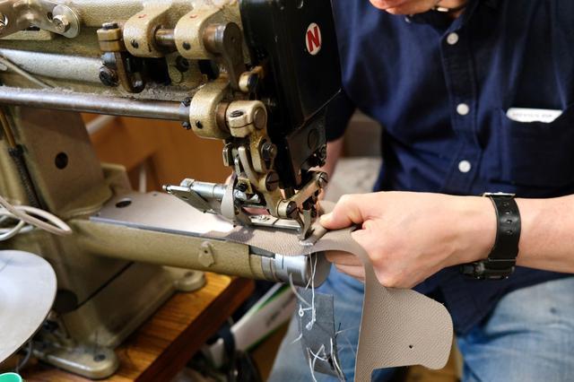 画像7: INDUSTRIAは富士フイルム「X100V」専用の本革製ケースの新色(ブラック)を販売開始!