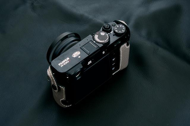 画像6: INDUSTRIAは富士フイルム「X100V」専用の本革製ケースの新色(ブラック)を販売開始!