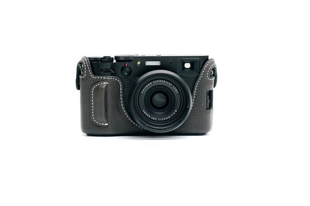 画像1: INDUSTRIAは富士フイルム「X100V」専用の本革製ケースの新色(ブラック)を販売開始!