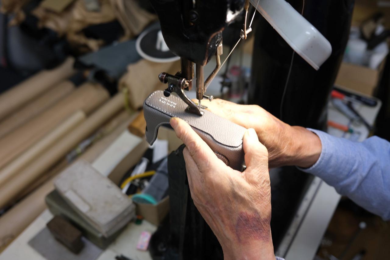 画像8: INDUSTRIAは富士フイルム「X100V」専用の本革製ケースの新色(ブラック)を販売開始!