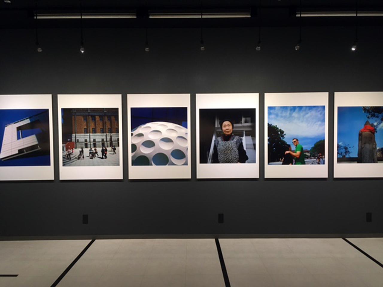 """画像2: 赤城耕一写真展『録々』。録々は""""ろくろく""""と読みます。6×6サイズのカメラで撮りためた作品群の展示です。"""
