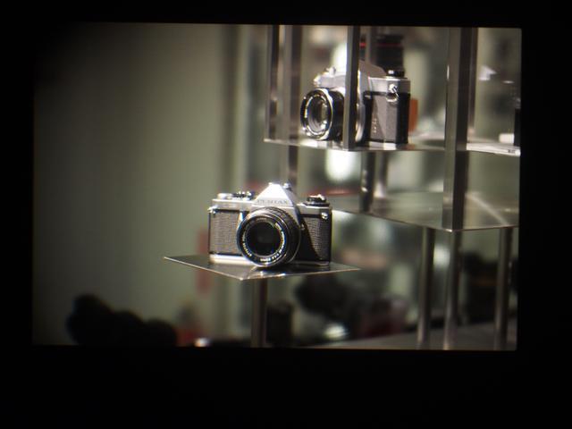 画像: ファインダーにグイグイ30mmマクロ(M.フォーサーズ)を押し付けて撮りましたが、その素晴らしさはまったく伝わってきませんな。