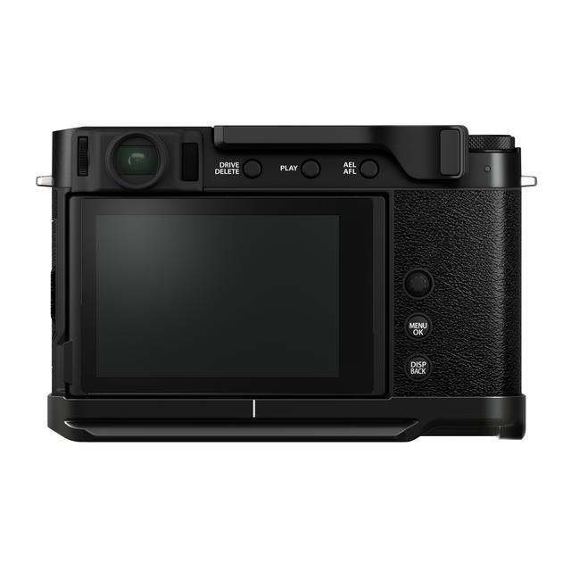 画像1: 別売アクセサリーのサムレスト「TR-XE4」(税別1万3000円)とハンドグリップ「MHG-XE4」(税別1万円)を装着した状態。いずれもX-E4専用。