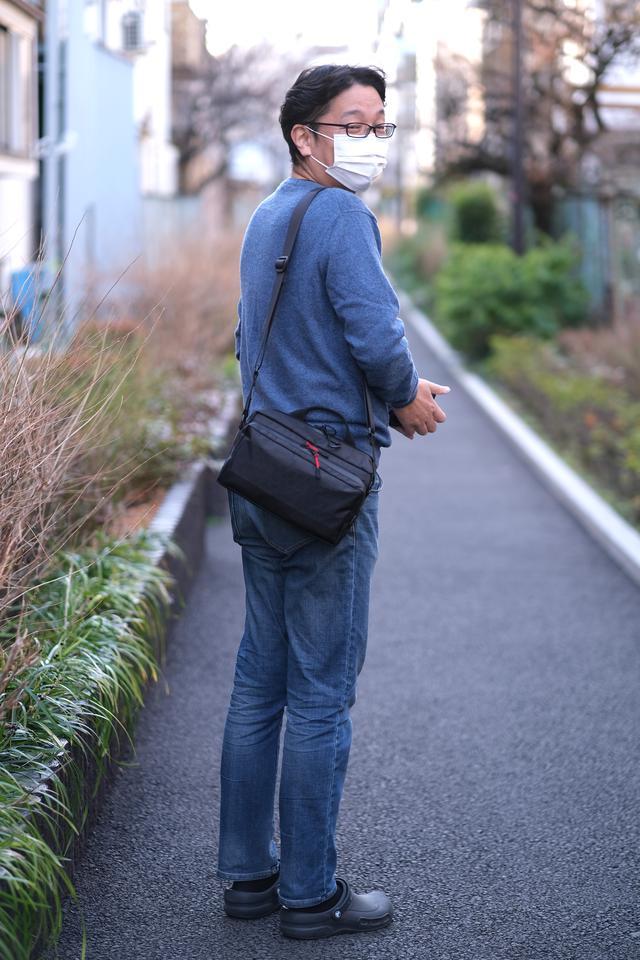 画像: 防水バッグ担いで足元はクロックスかよ、とツッコみたかった。が、よく見たら防水のビストロだったとは!