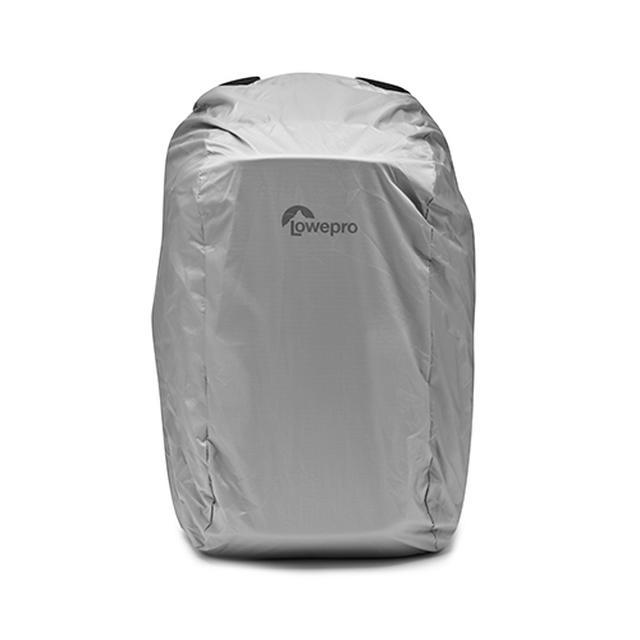 画像: 荒天時にバッグを守る、オールウェザーカバーも付属。
