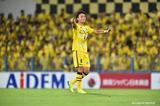 画像: 20節神戸戦でも声を出してチームを鼓舞する中谷。リーグ戦4試合ぶりの白星を手にした