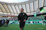 画像: 写真は2016年11月12日、東京V対C大阪戦。永井氏は昨季限りで現役を引退し、現在は東京Vのユース監督兼GM補佐を務めている