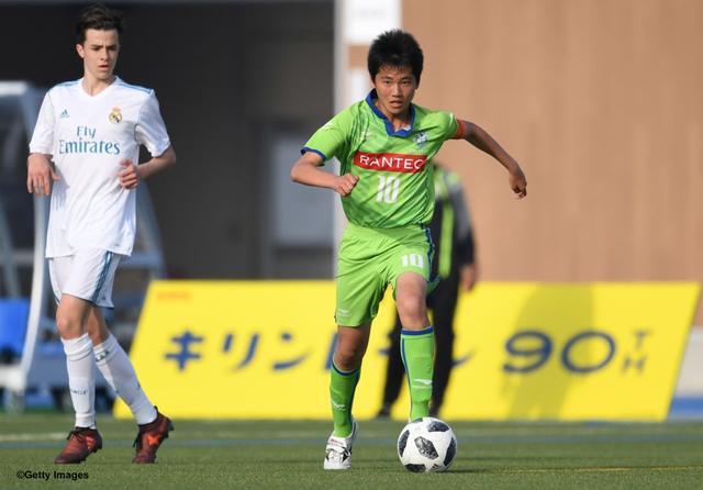 画像: レアル・マドリードを相手に奮闘した湘南U-15の竹田舜キャプテン⑩