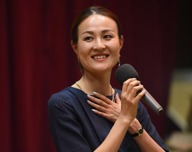 画像: 現役時代「ママさんボランチ」の愛称で知られた宮本さん。指導者となった現在は、リトルなでしこ(U-17日本女子代表)のコーチを務め、若手の育成・強化にあたっている