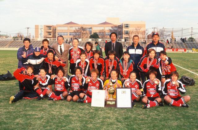画像: 1999年シーズン、前期優勝のプリマハムが後期優勝のNTVベレーザと年間女王の座をかけてチャンピオンシップで激突。プリマハムが3-1で勝利し、リーグ初優勝に輝いた