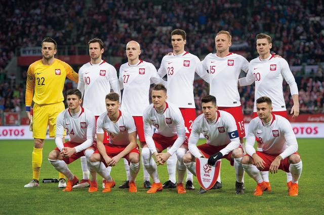 画像: ポーランド◎3大会ぶり8回目:1938、74、78、82、86、2002、06年 / FIFAランク◎8位 / 監督◎アダム・ナバウカ
