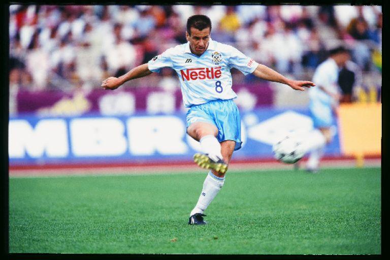 画像 : 4番目の画像 - ジーコはJ創設前から日本サッカーの発展に尽力した。J開幕後もストイコビッチ。ジーニョ、ジョルジーニョ、ドゥンガら多くの名手が日本でプレーした - ベースボール・マガジン社WEB