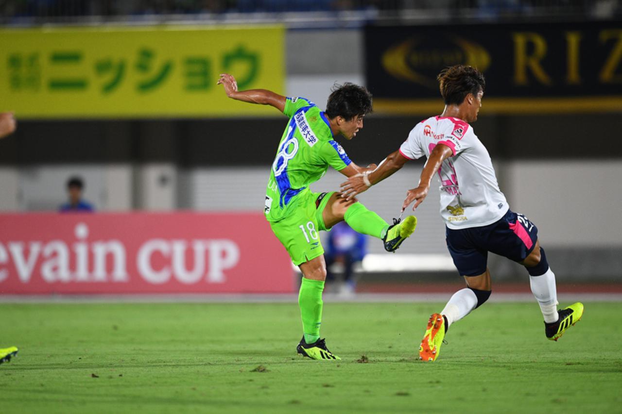 Images : 1番目の画像 - 松田が先制点を挙げ、梅崎が続き、金子がダメ押しとなる3点目を記録した湘南が快勝 - ベースボール・マガジン社WEB
