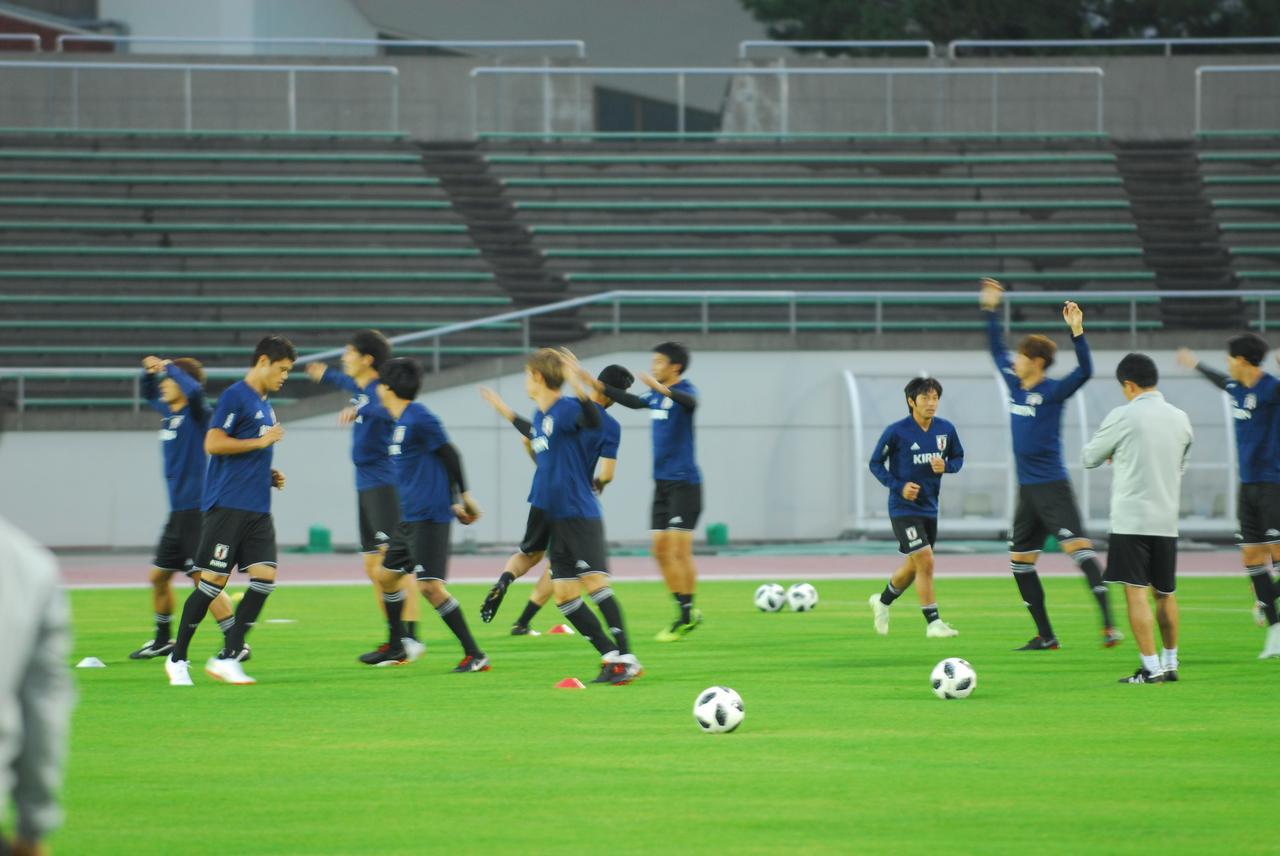 画像 : 2番目の画像 - 新潟市内でトレーニング中の日本代表 - ベースボール・マガジン社WEB