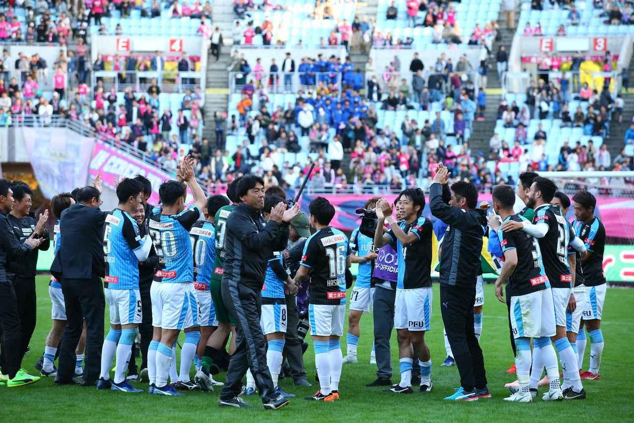 Images : 2番目の画像 - C大阪戦には敗れたが、2位広島も敗れたため、優勝が決定。川崎Fは今季のリーグ戦で最も強かったことを証明した - ベースボール・マガジン社WEB