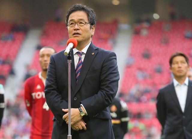 画像: 日本サッカー界におけるGMの先駆けだった久米氏(写真は名古屋時代) 写真◎J.LEAGUE PHOTOS