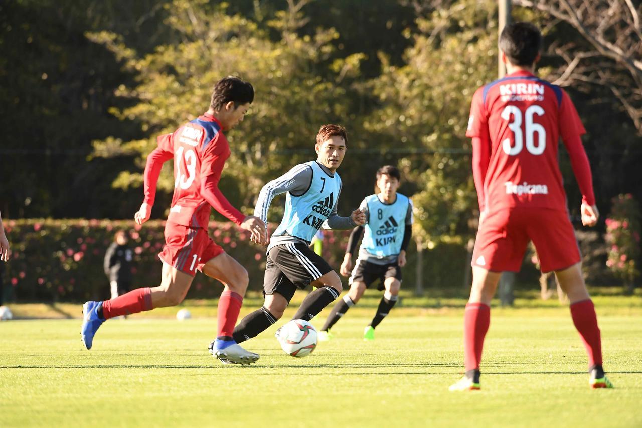 Images : 3番目の画像 - 国内合宿最終日に練習試合を行なった日本代表 - ベースボール・マガジン社WEB