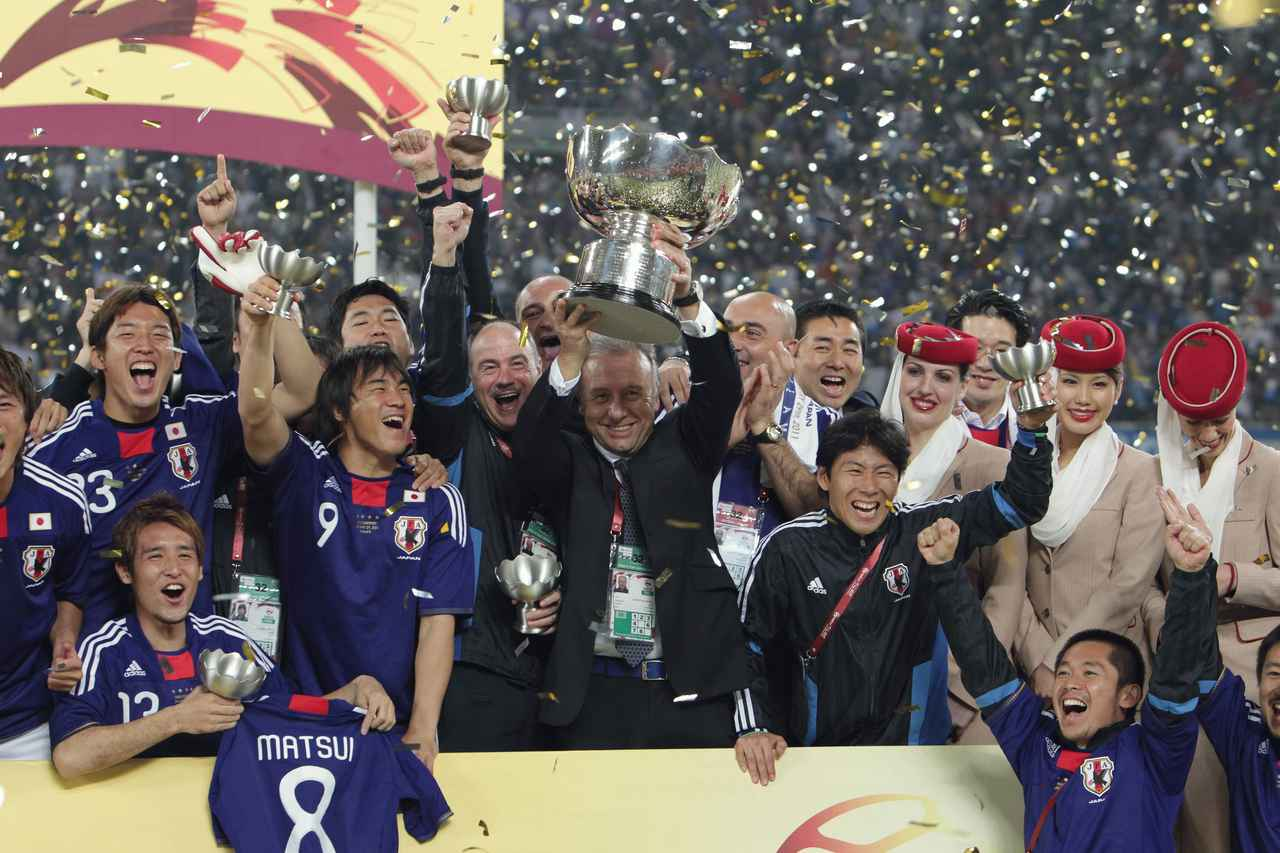 Images : 5番目の画像 - 幾多の苦闘を乗り越え、団結してアジア王座を奪還した日本(写真◎小山真司) - サッカーマガジンWEB