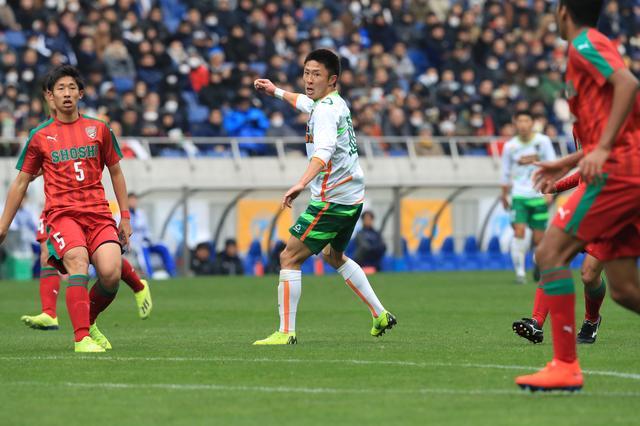 画像: 青森山田はスキがない戦いぶりと檀崎を中心とした効率の良い攻撃で決勝に勝ち上がった(写真◎福地和男)