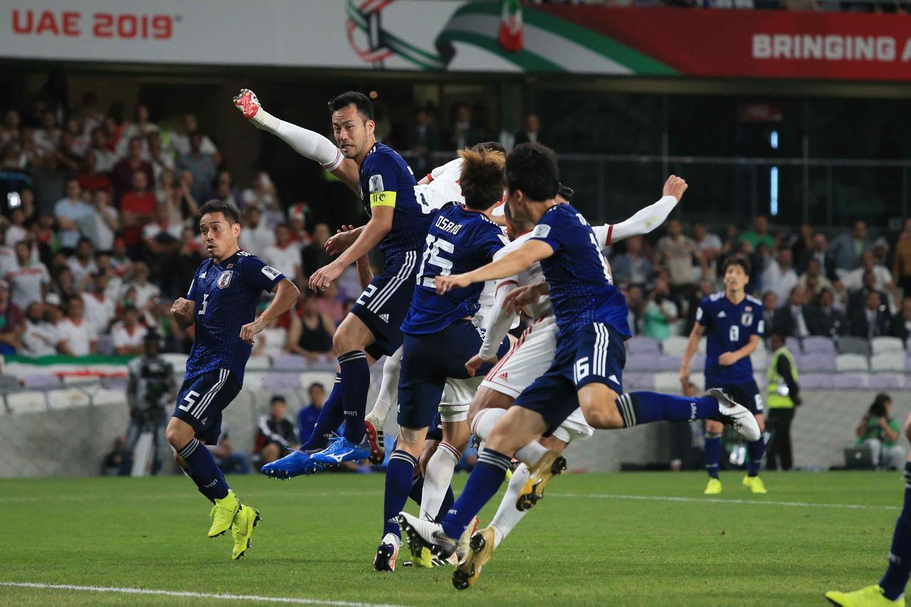 Images : 1番目の画像 - 今大会一番の出来で最強イランを破った日本。2大会ぶりの決勝進出を果たした(写真◎福地和男) - サッカーマガジンWEB