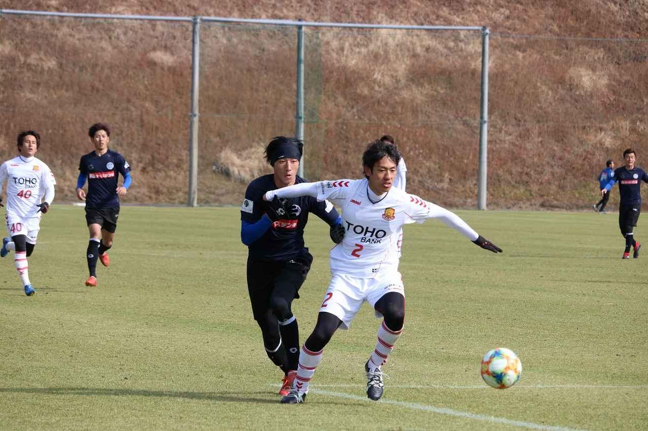 Images : 3番目の画像 - 水戸対福島のトレーニングマッチの様子 写真◎サッカーマガジン - ベースボール・マガジン社WEB