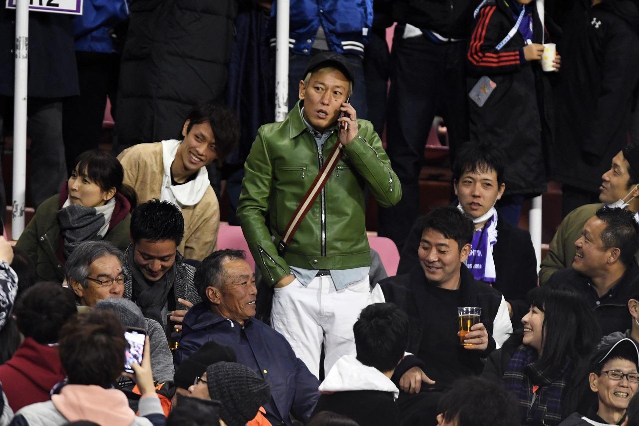 Images : 3番目の画像 - 広島とのACLに先発し、同点ゴールを決めた本田。会場には、じゅんいちダビッドソンも登場(写真◎Getty Images) - ベースボール・マガジン社WEB