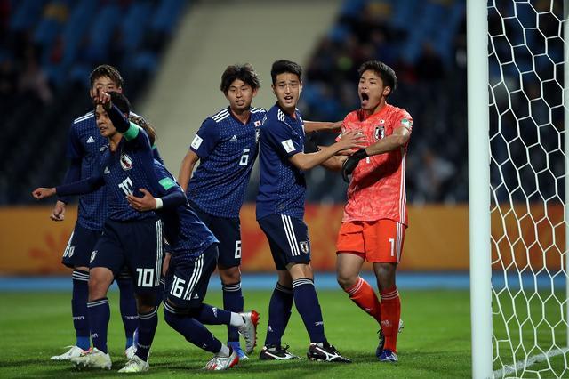 画像: U-20ワールドカップ初戦のエクアドル戦で若原はPKを止め、チームを救った(写真◎Getty Images)