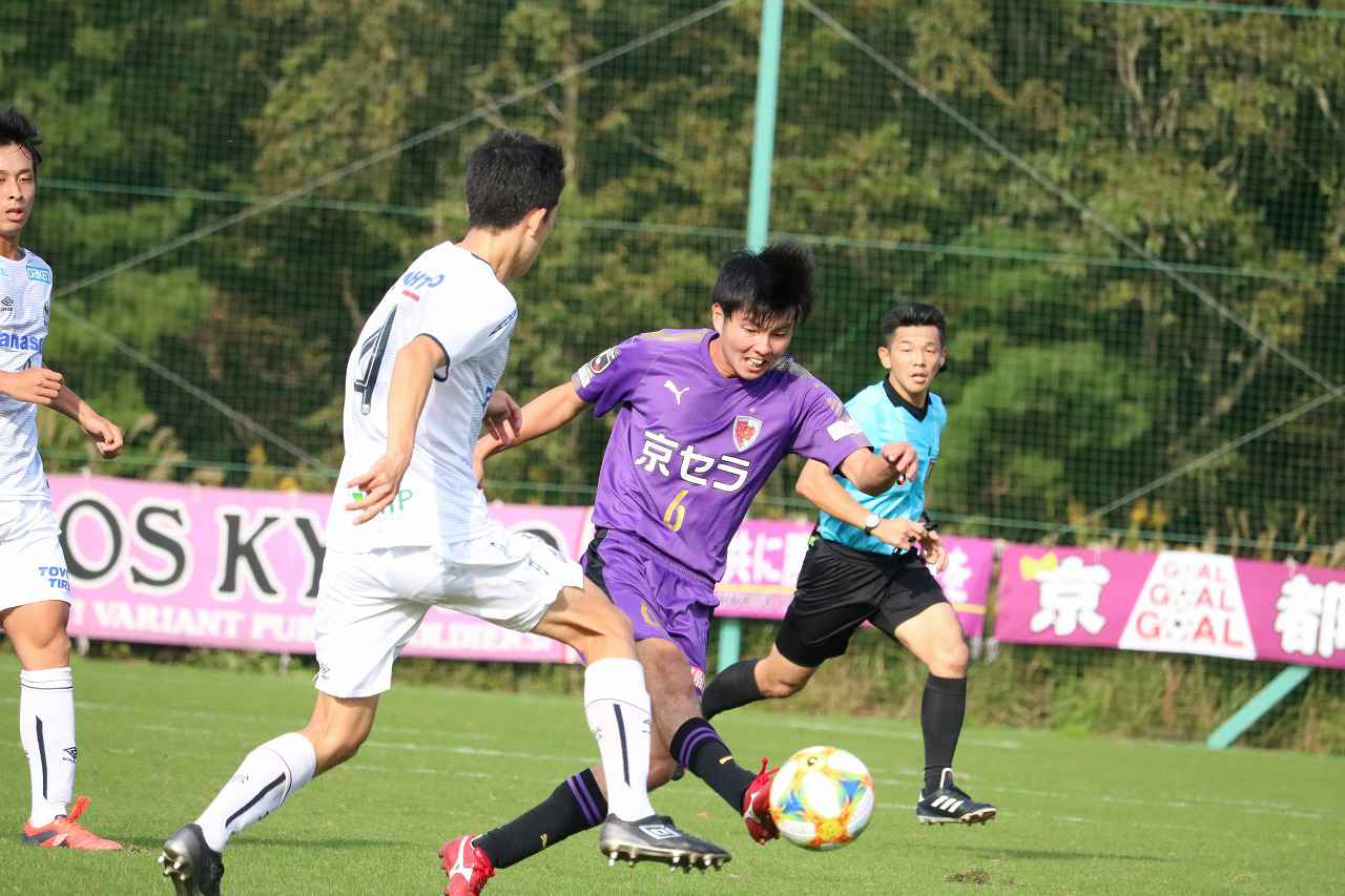 Images : 1番目の画像 - 合計5ゴールが生まれた京都U-18との点の取り合いを制したG大阪ユースが準決勝進出(写真◎サッカーマガジン) - サッカーマガジンWEB