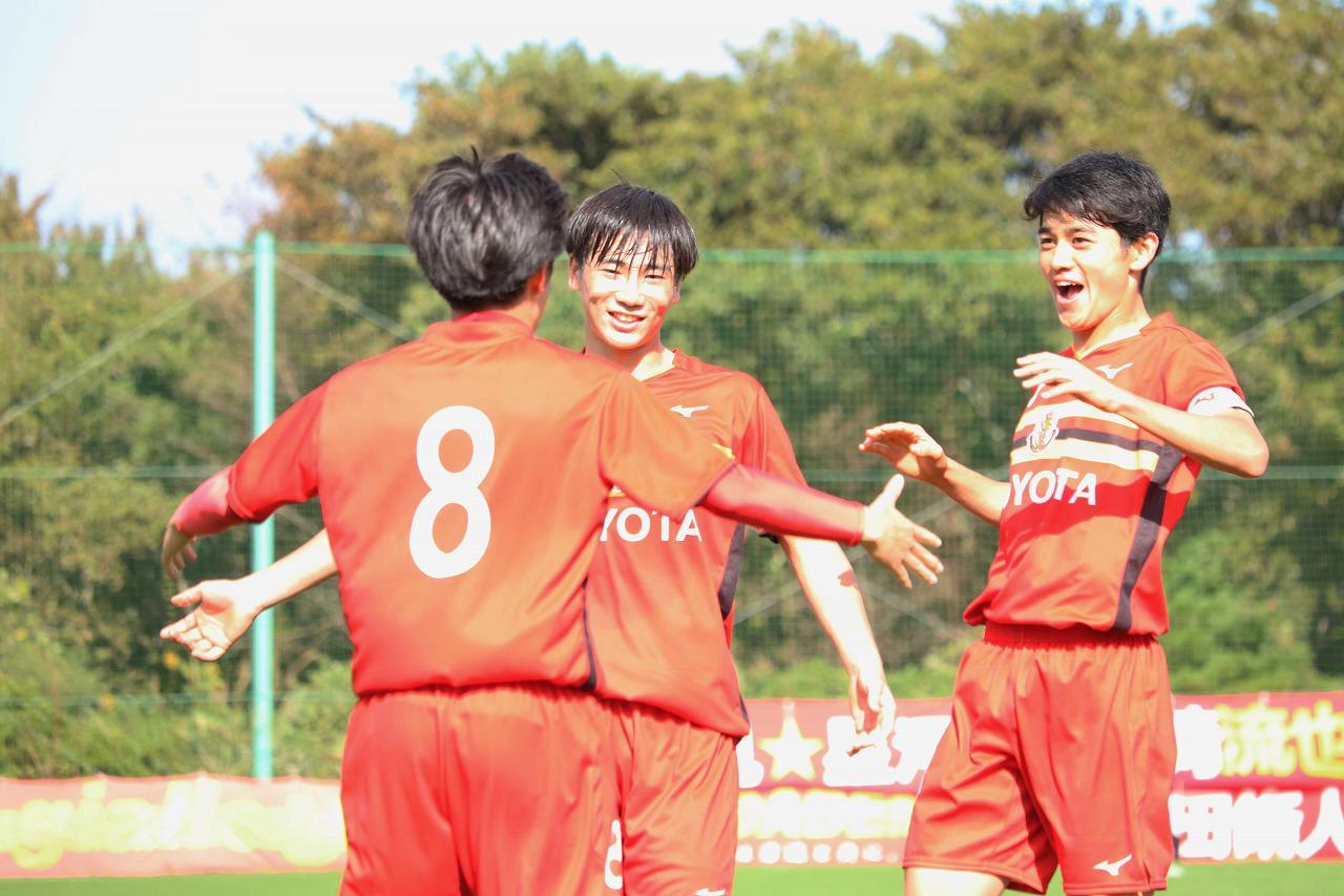 Images : 1番目の画像 - 3冠を目指す名古屋U-18が、広島ユースを破って準決勝進出を果たした(写真◎サッカーマガジン) - ベースボール・マガジン社WEB