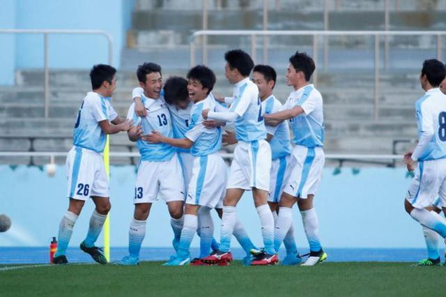 画像: 【1回戦】高川学園、主将の内田裕也の決勝ゴールで北海に競り勝つ - サッカーマガジンWEB