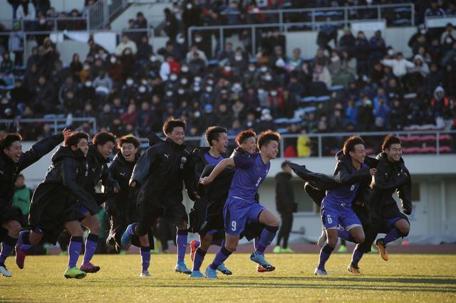 画像: 【1回戦】2度追いついた富山第一がPK戦の末に立正大淞南に競り勝つ - サッカーマガジンWEB