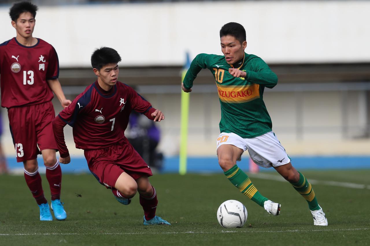 画像: 【2回戦】MF小山尚紀が2得点の静岡学園、丸岡に会心の勝利 - サッカーマガジンWEB