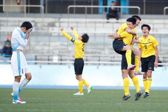 画像: 【2回戦】仙台育英が終盤の決勝ゴールで高川学園に競り勝つ - サッカーマガジンWEB