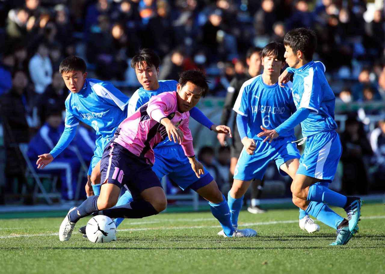 画像: 【2回戦】今治東が山形中央に前後半1得点ずつ決めて3回戦へ - サッカーマガジンWEB