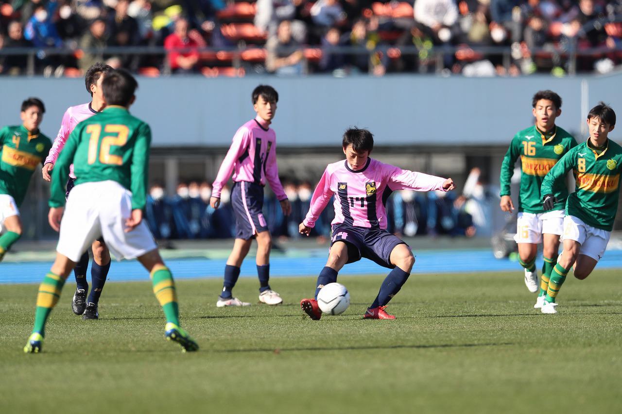 Images : 1番目の画像 - 静岡学園が今治東に完封勝利を収めた(写真◎中島光明) - サッカーマガジンWEB