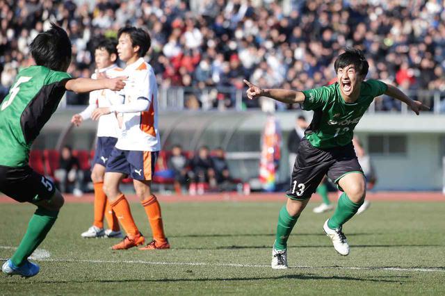 画像: 【3回戦】交代出場の篠田が終了間際に決勝点。昌平がベスト8へ進出 - サッカーマガジンWEB