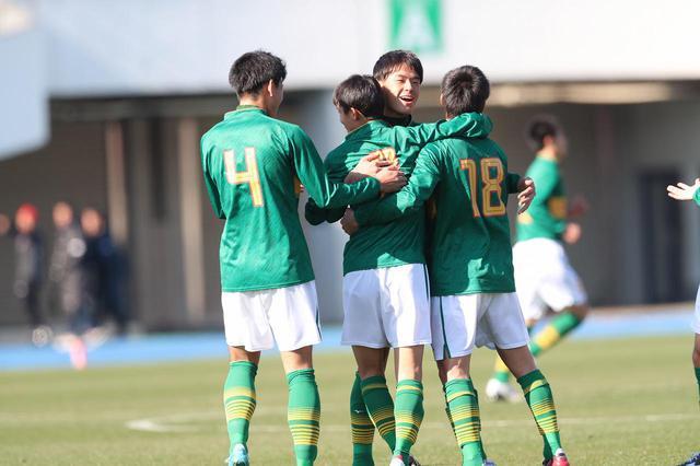 画像: 【3回戦】前後半の立ち上がりに得点した静岡学園が今治東に完封勝利 - サッカーマガジンWEB