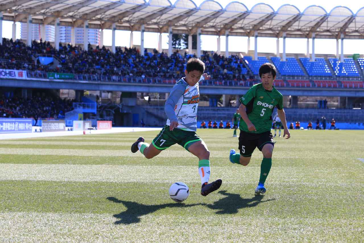 Images : 5番目の画像 - 後半は昌平が主導権を握るも、青森山田が前半のリードを守り切った(写真◎福地和男) - サッカーマガジンWEB