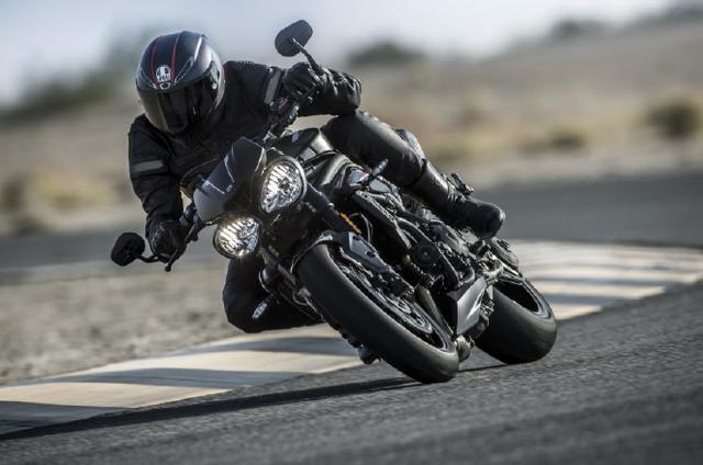 画像: トライアンフの新型「Speed Triple RS」が登場!日本での発売は2018年春以降を予定。
