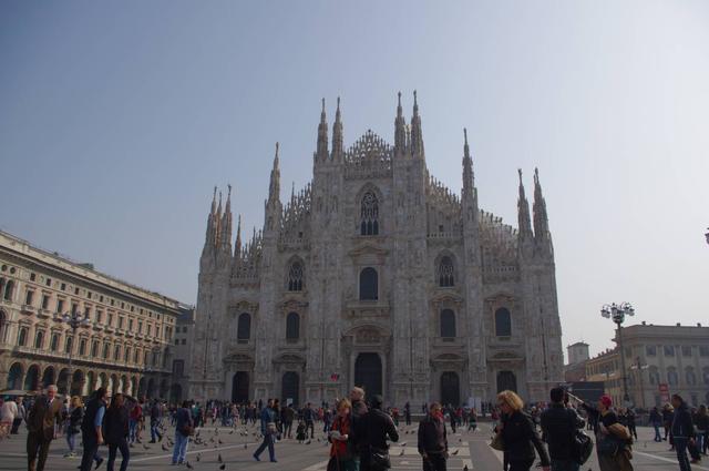 画像: ミラノの中心・ドゥオーモ