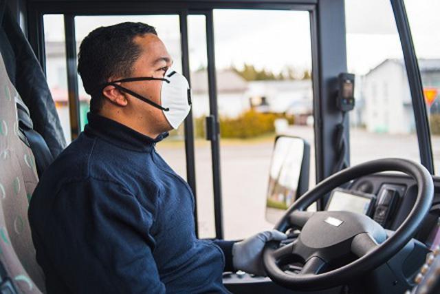 画像: 写真:バスのドライバー(イメージ/現地手配会社提供)