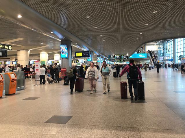 画像: ロシア・ドモジェドヴォ空港の様子(担当者・東根撮影)