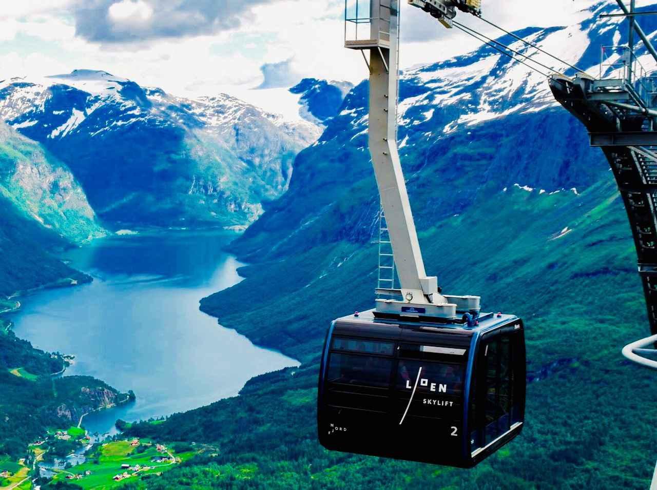 画像: ノールフィヨルドを臨むローエンスカイリフト©Cable Car Loen Skylift Photo_ Janne Alsaker