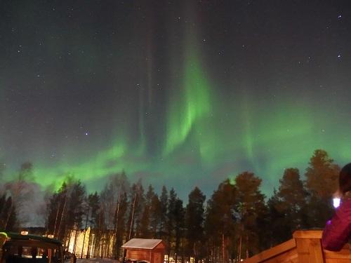 画像: 【冬のヨーロッパ旅行に行くならオーロラが見たい! 】 でも、国はどこがおすすめ?フィンランド?ノルウェー?スウェーデン?アイスランド? どんな場所で観測できるの? どれくらい寒いの? どんな防寒着を持っていけば良いの? 撮影に必要な持ち物は? 他にどんな持ち物が必要? といった様々な疑問にお答え致します。 clublog.club-t.com